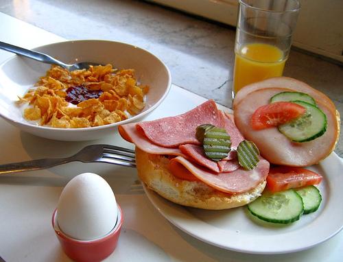 ăn sáng nhiều protein giúp giảm cân