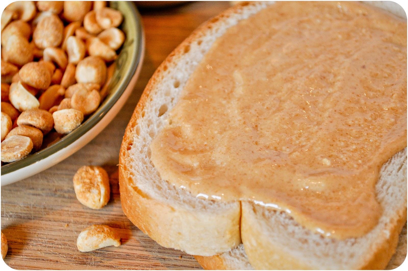 ăn sáng với bánh mì bơ đậu phộng giúp giảm cân